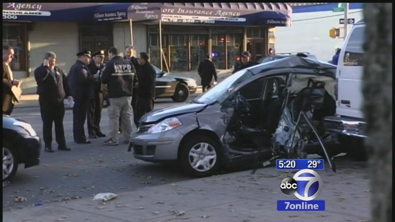 At least 2 injured in Brooklyn crash