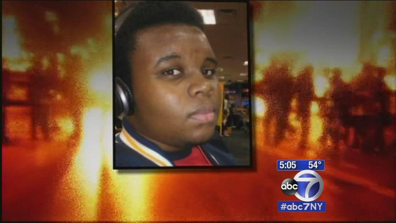 Outpouring of anger continues over decision in Ferguson police shooting
