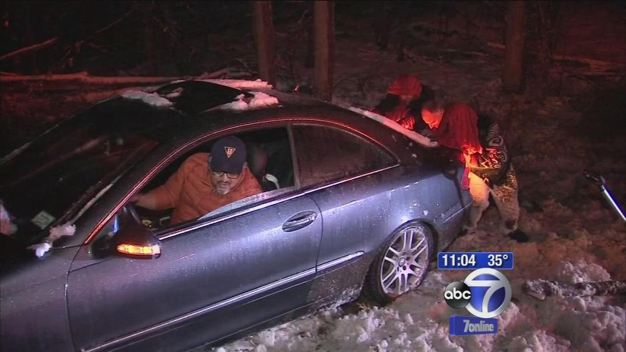 Thanksgiving eve snow causes rough roads