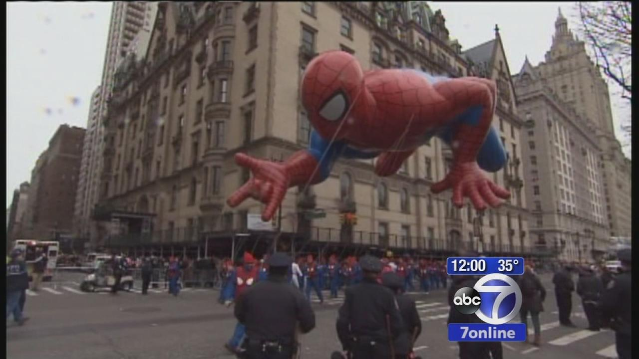 Macys parade marches through Manhattan