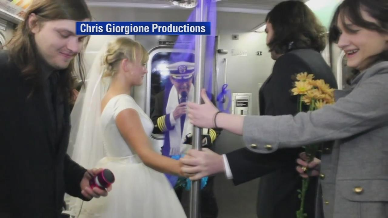 Couple exchanges vows on the N train
