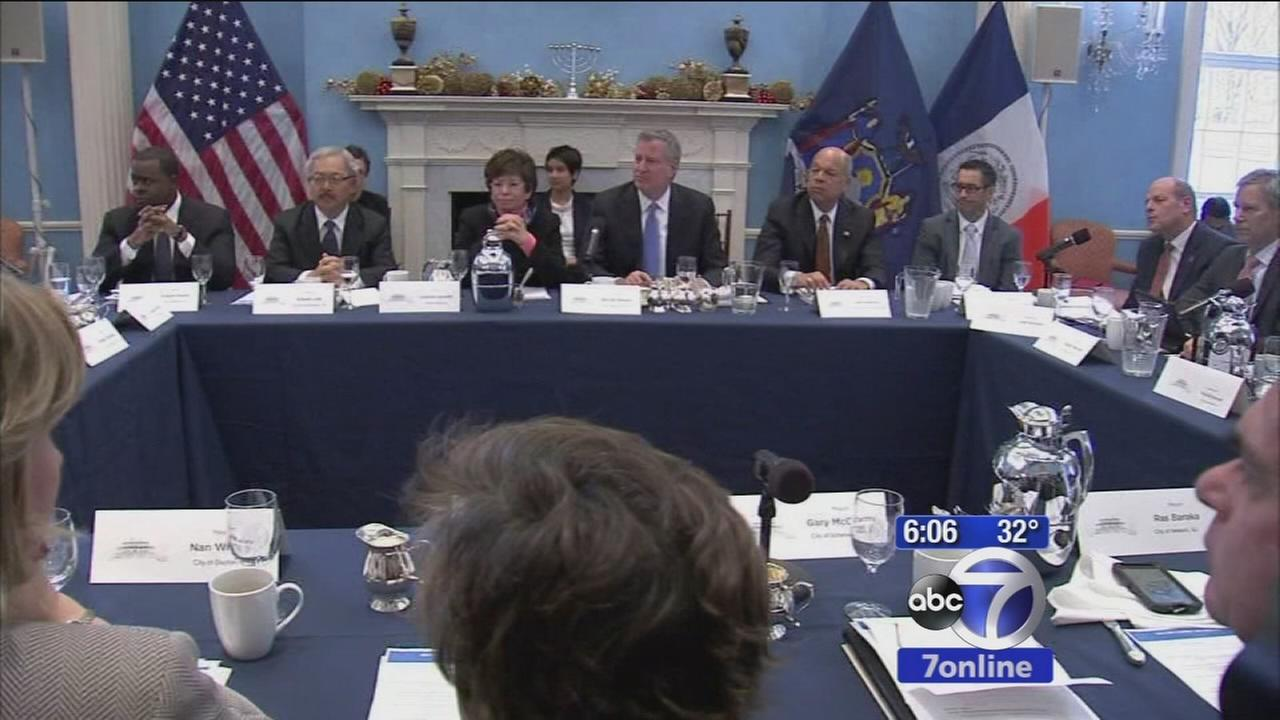 Bill de Blasio hosts 20 mayors for immigration summit