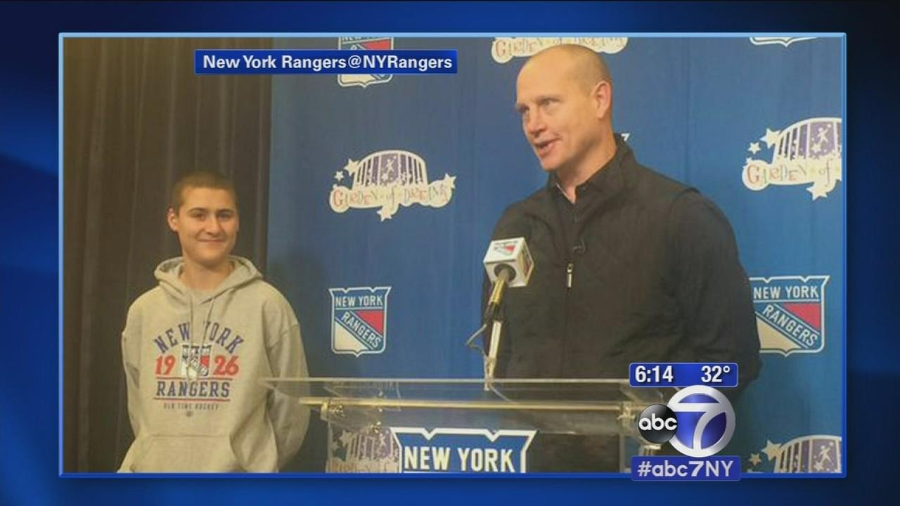 Rangers sign 15-year-old diagnosed with camera to 1-day contract