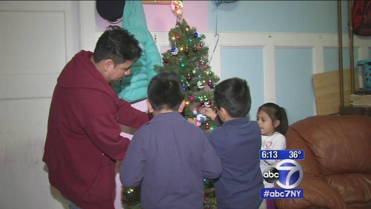 Obamas immigration reform helps free dad of 3 from immigration detention center