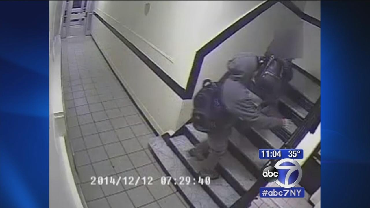 Search for suspect in violent East Harlem robbery