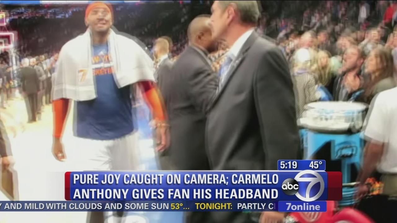 Fan gets Melo headband