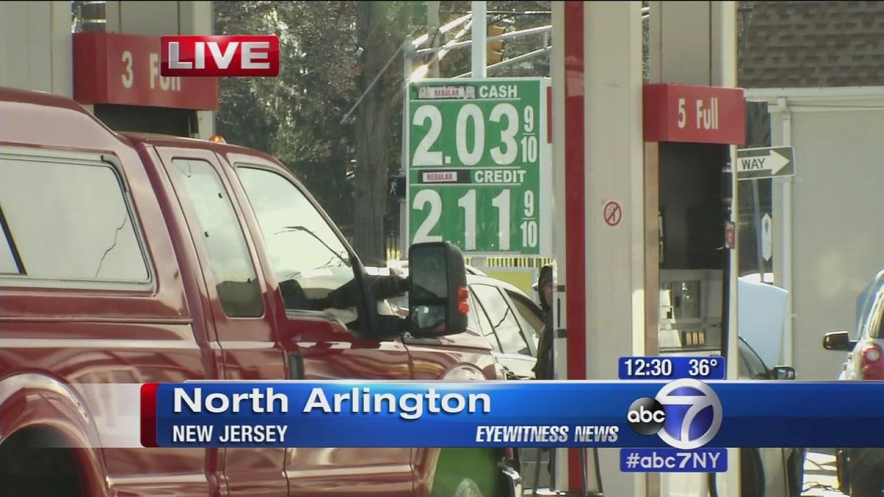 Drivers happy as gas prices fall ahead of holiday travel season