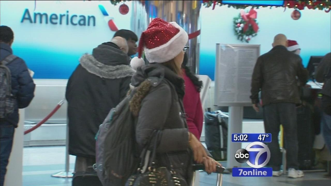 Travelers head out on Christmas Eve