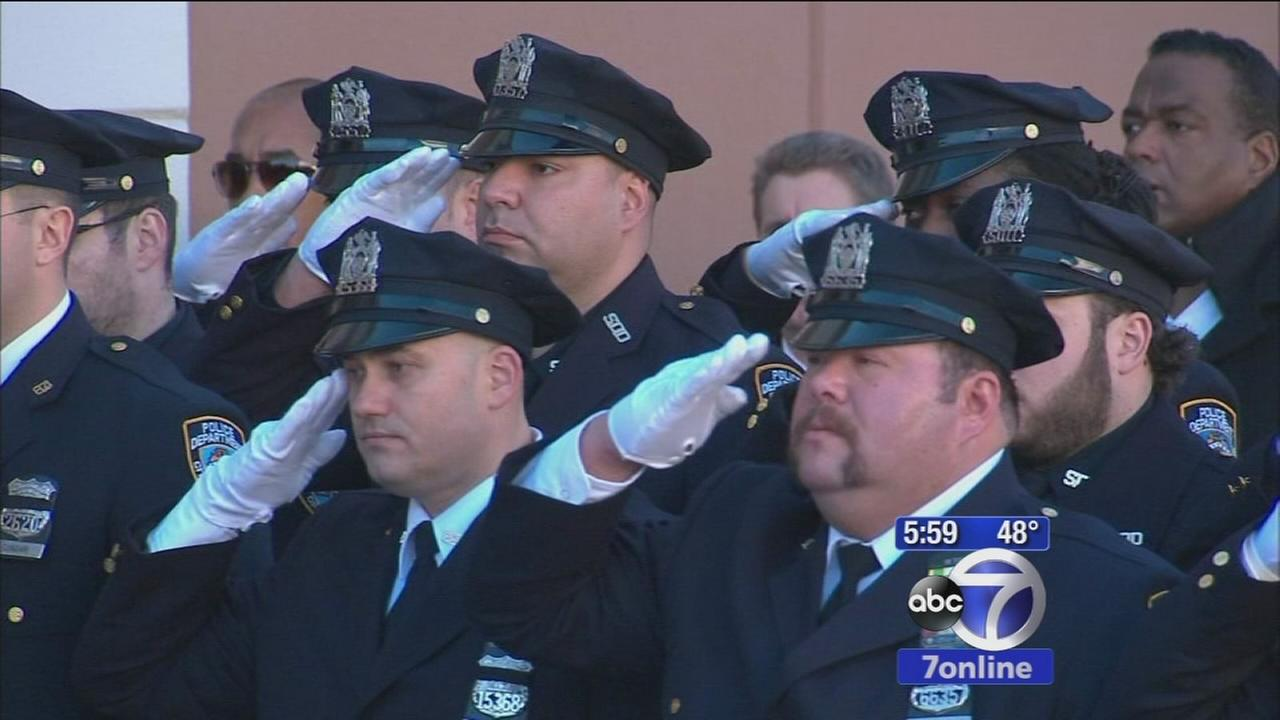 Wake underway for fallen NYPD officer Rafael Ramos