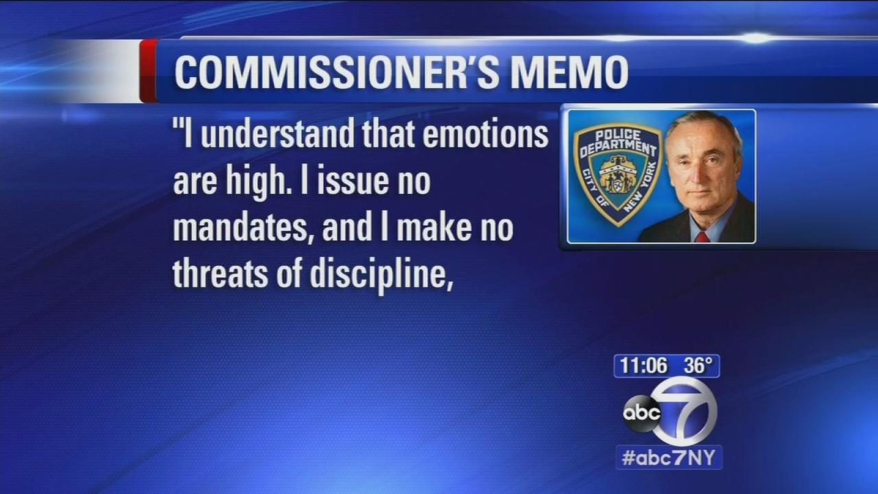 Bratton issues memo to NYPD officers to not turn backs on mayor at funeral