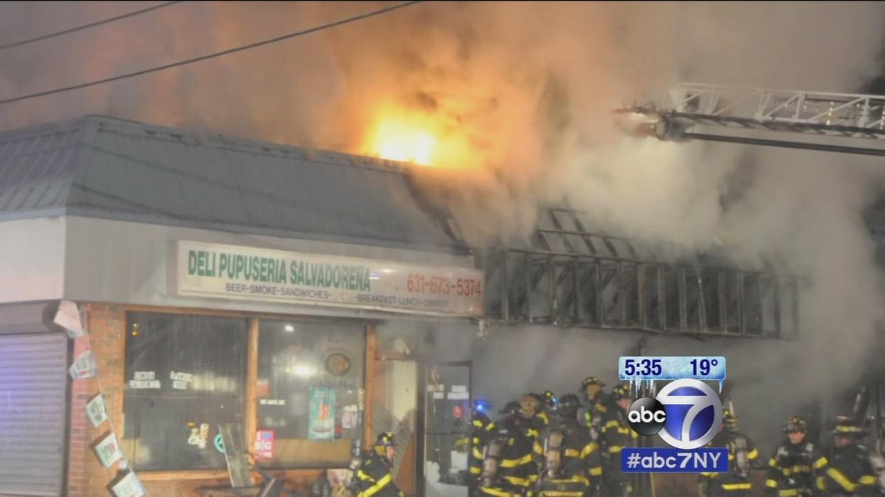 long island strip mall burns in west jericho turnpike fire. Black Bedroom Furniture Sets. Home Design Ideas