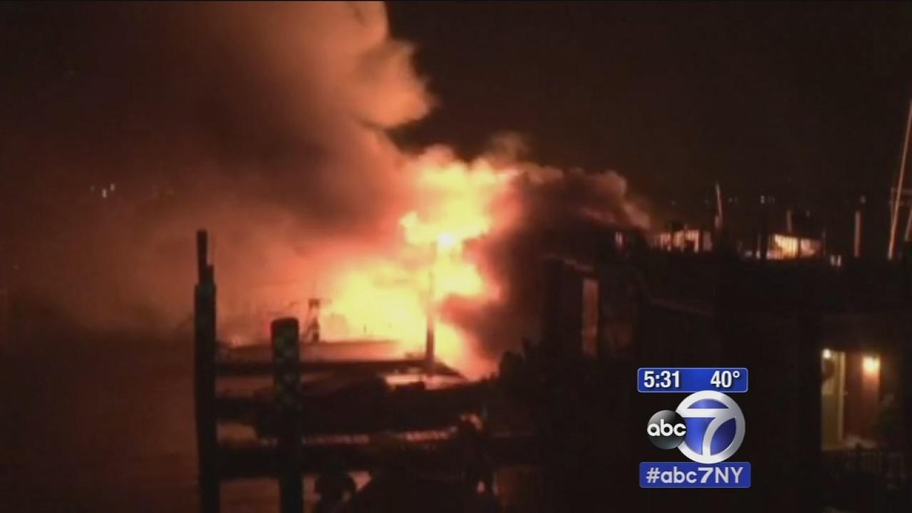 Port Washington marina fire destroys 2 houseboats, smaller boats