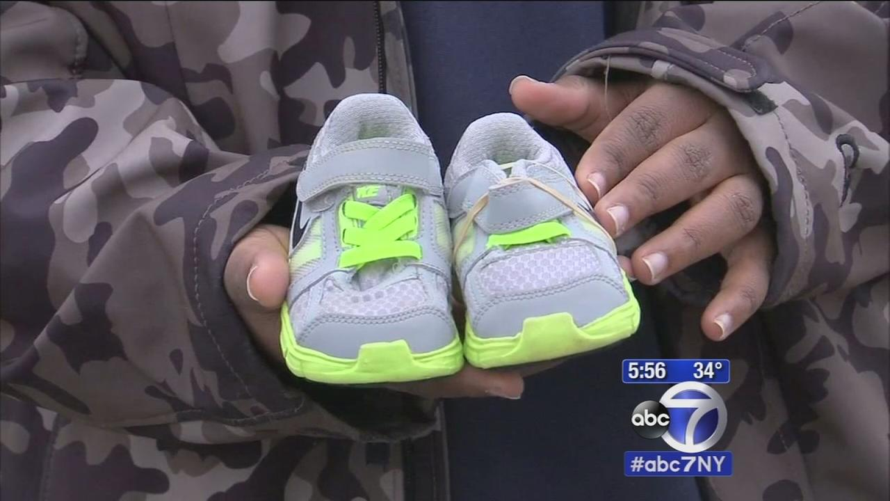 Newark students hold shoe drive