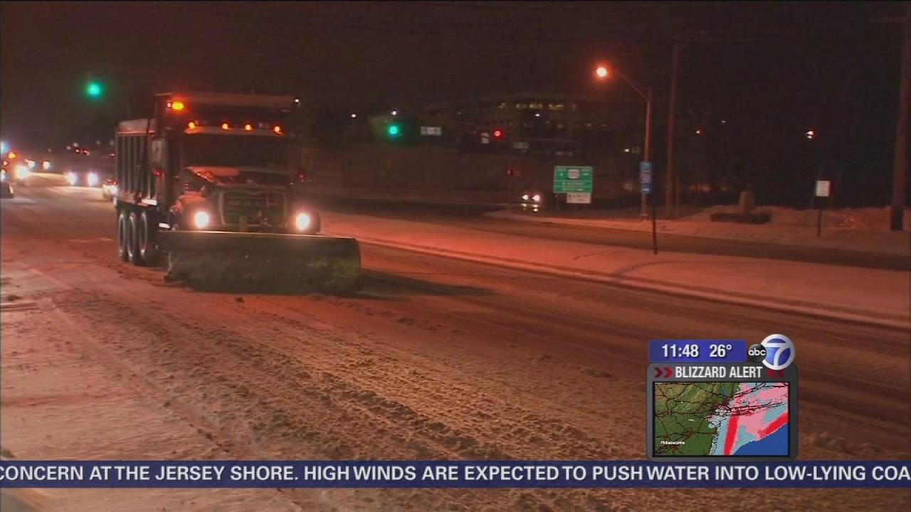 Crews working to keep roads clear in New Jersey