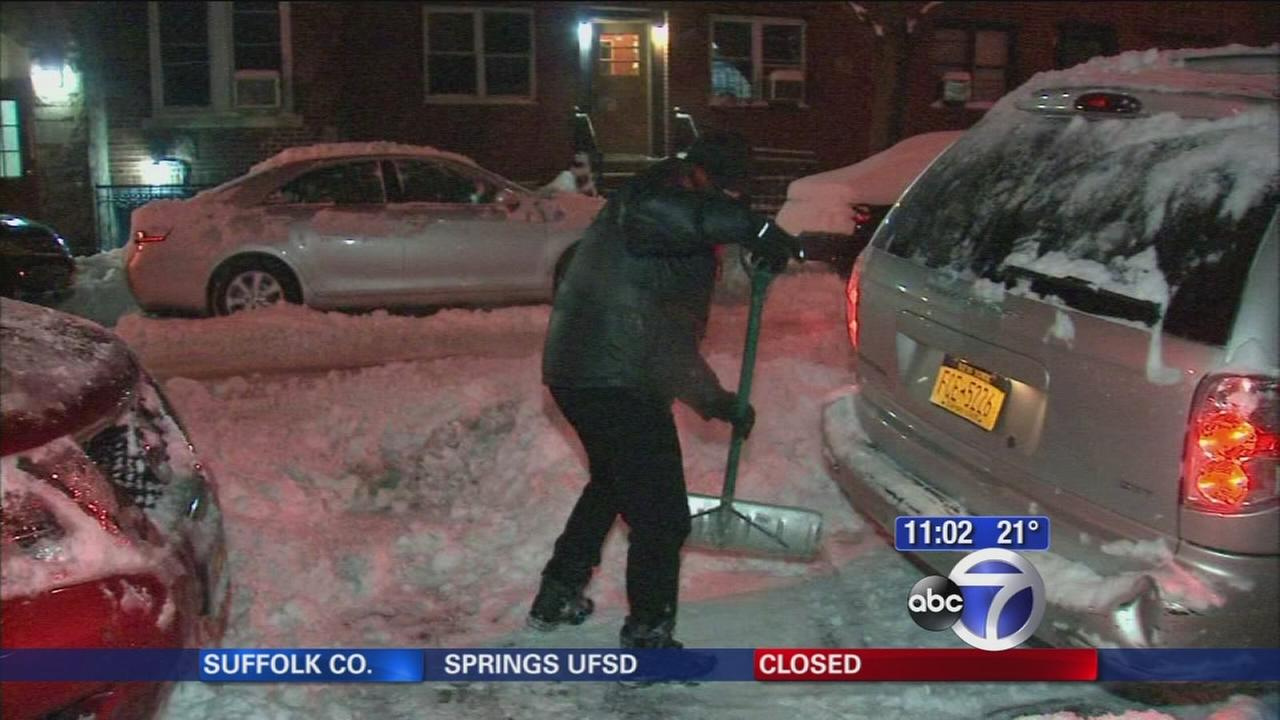 City residents taking snow clearing into their own hands in some parts