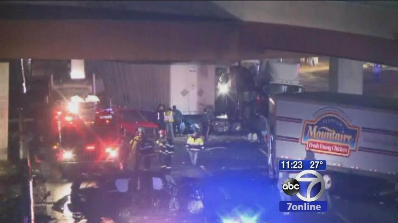 1 dead, several injured in multi-vehicle crash on New Jersey Turnpike