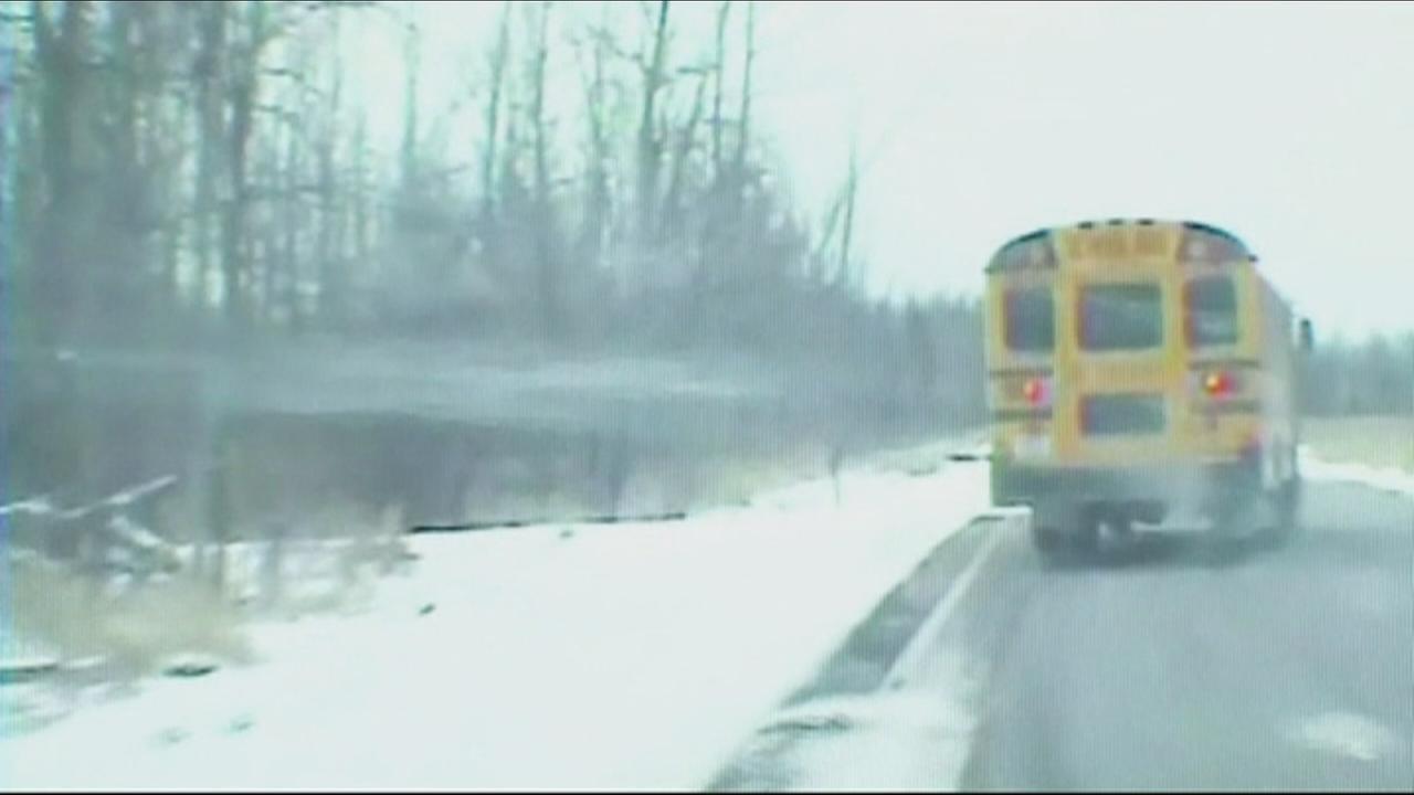 Kids aboard out-of-control school bus in Minnesota