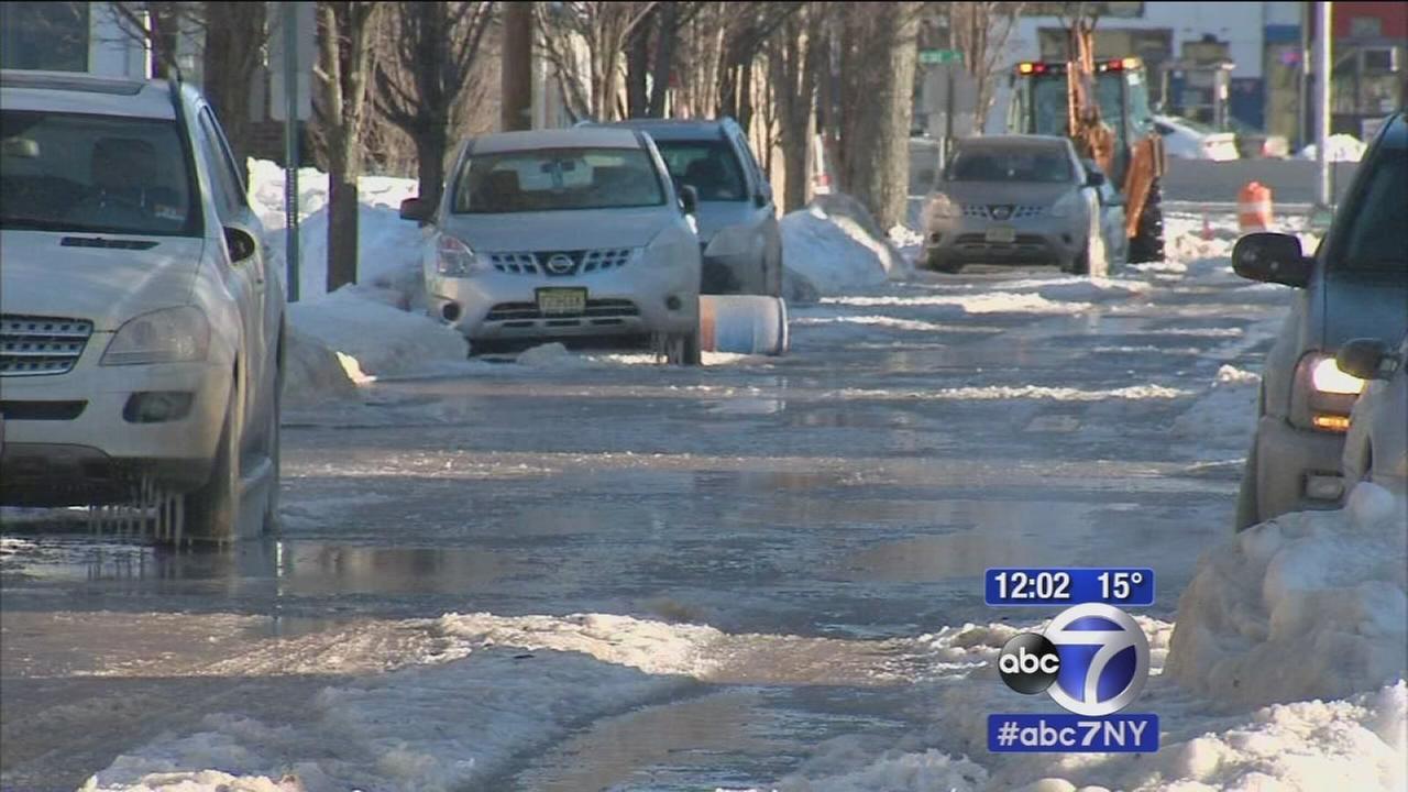 Water main break floods street in Lodi