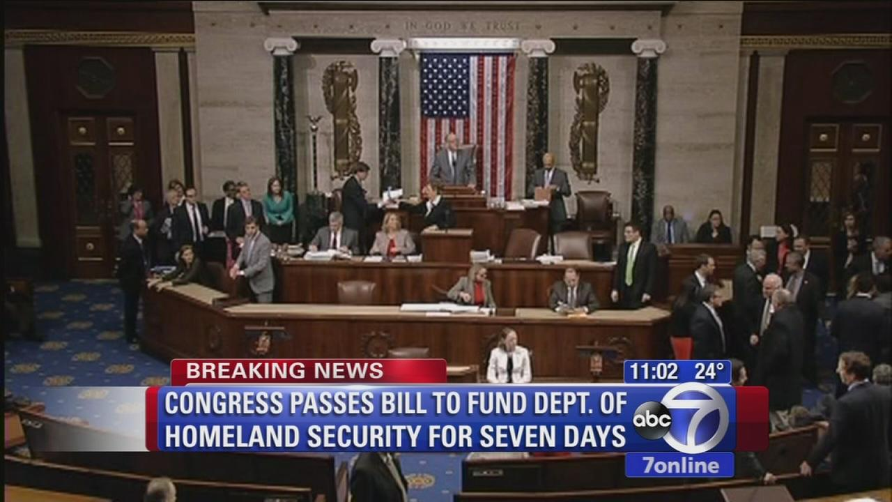 Congress passes bill to fund Homeland Security Department for a week