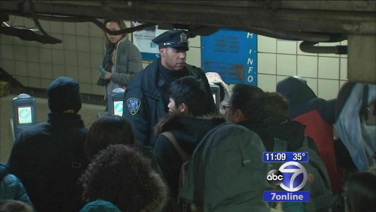 Search for suspect after stabbing on PATH train