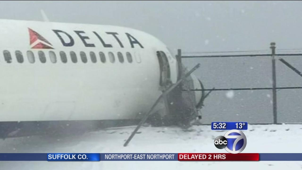Delays at LaGuardia following plane skid