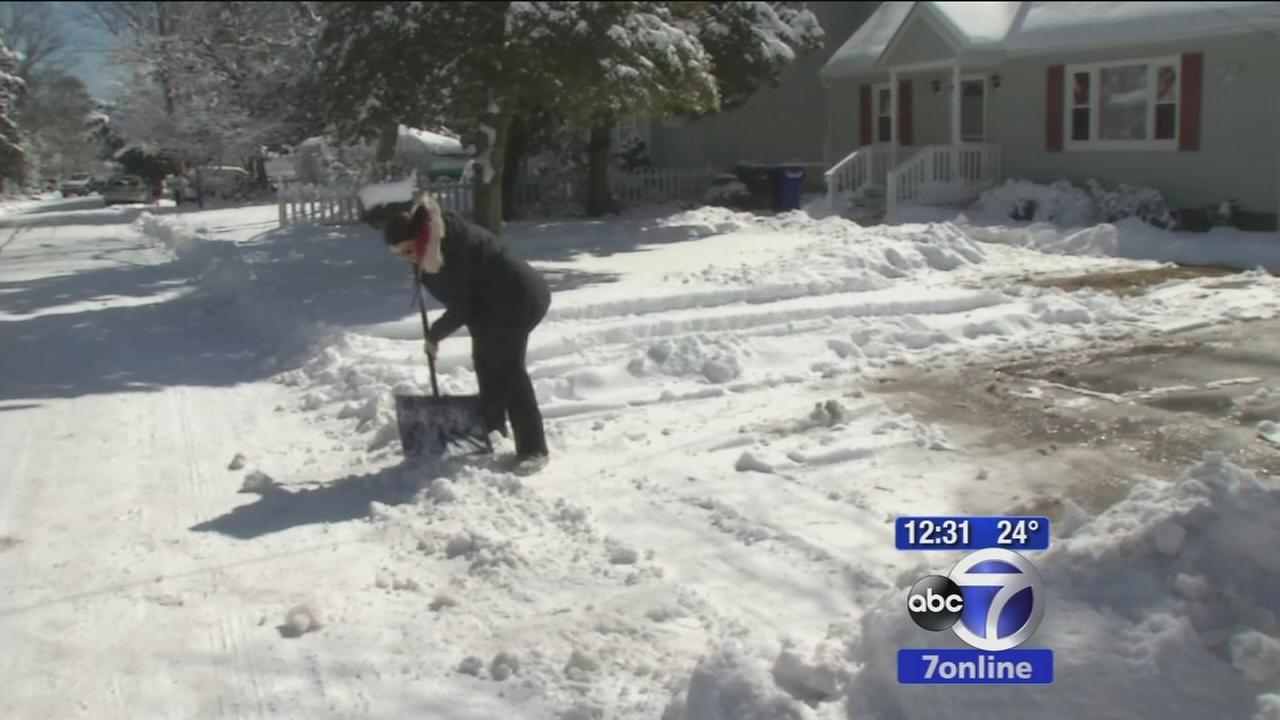 New Jersey digs out from snow storm