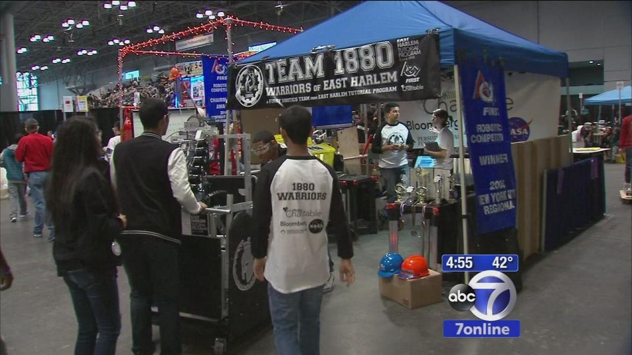 Teens learn engineering by building robots