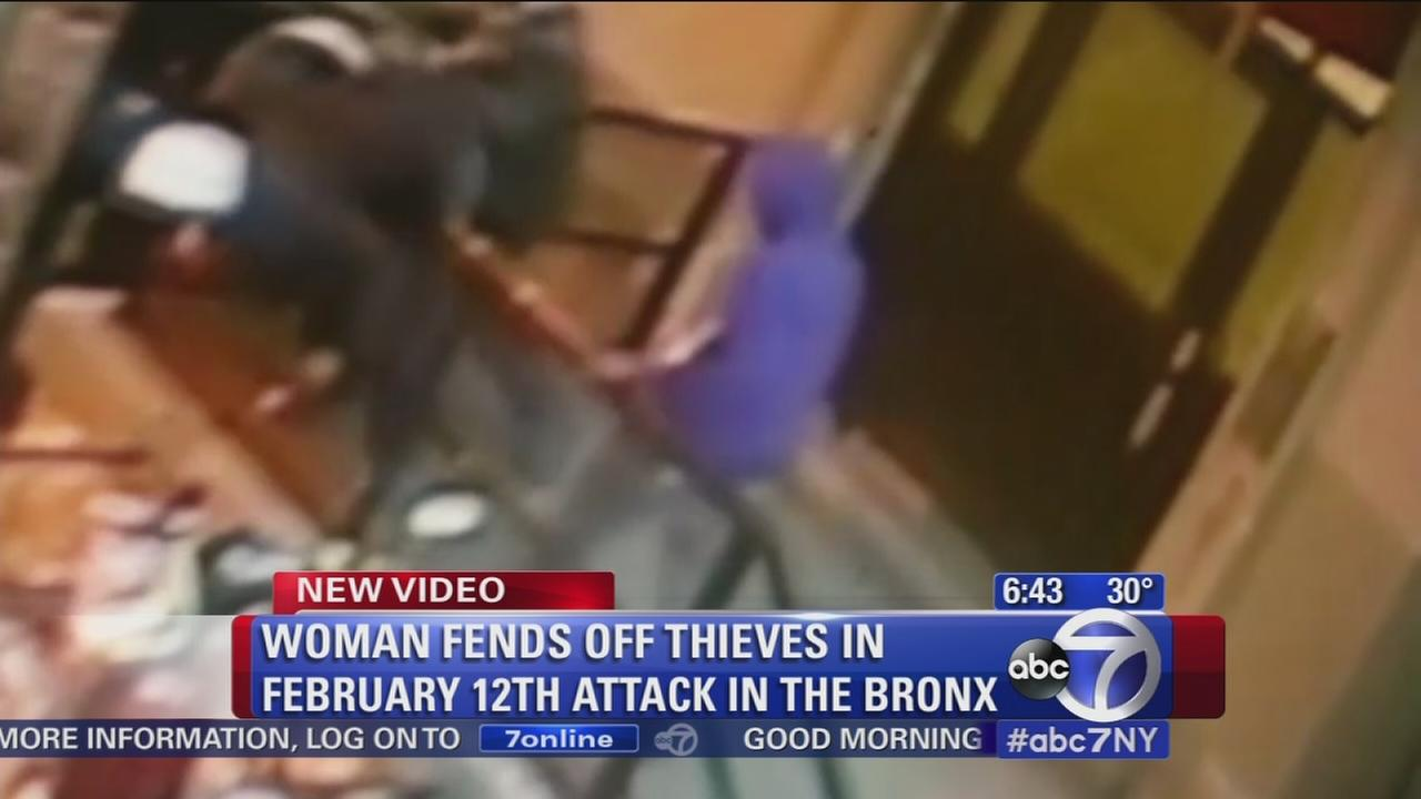 Woman attacked for cell phone, fights back
