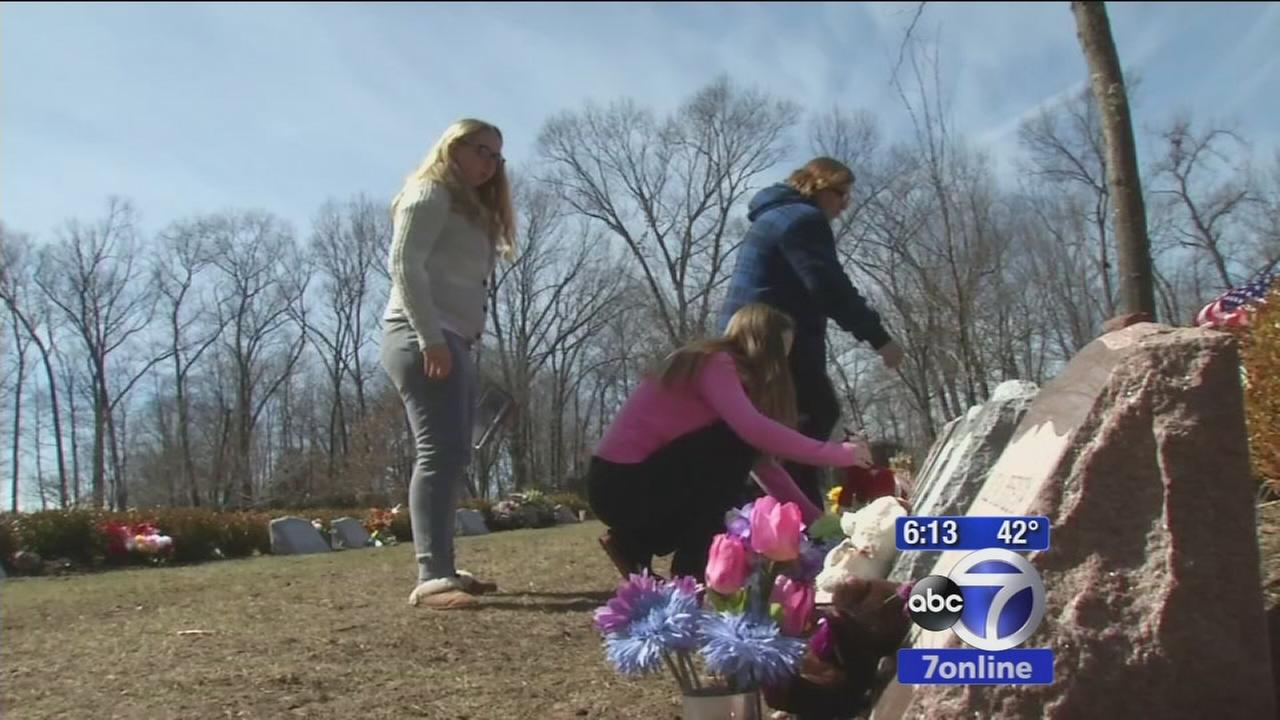 Teen raises money for headstones for fire victims
