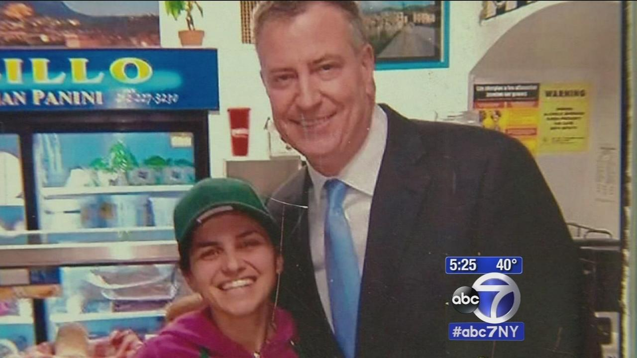 Mayor de Blasio at home in Manhattan Italian restaurant