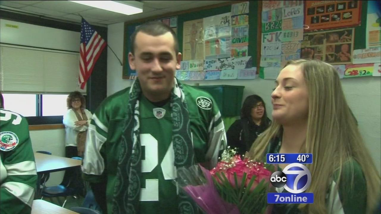 Jets players help in special prom proposal