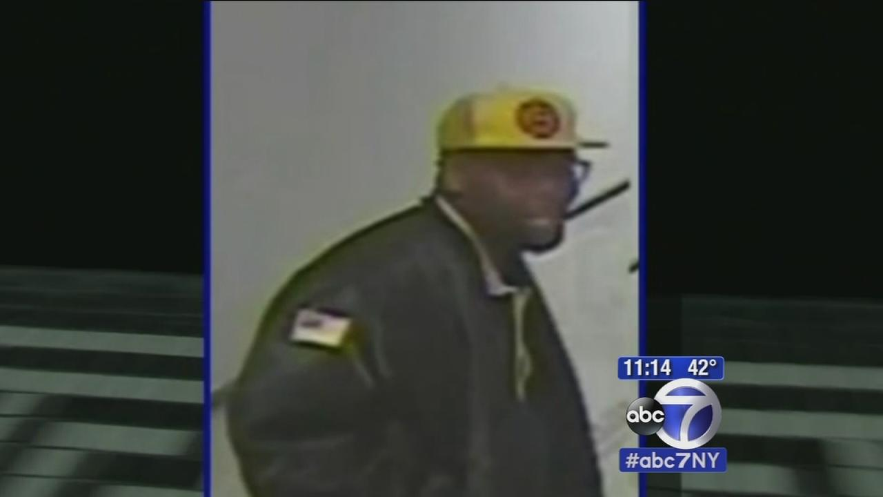 Police search for suspect in Brooklyn rape attempt