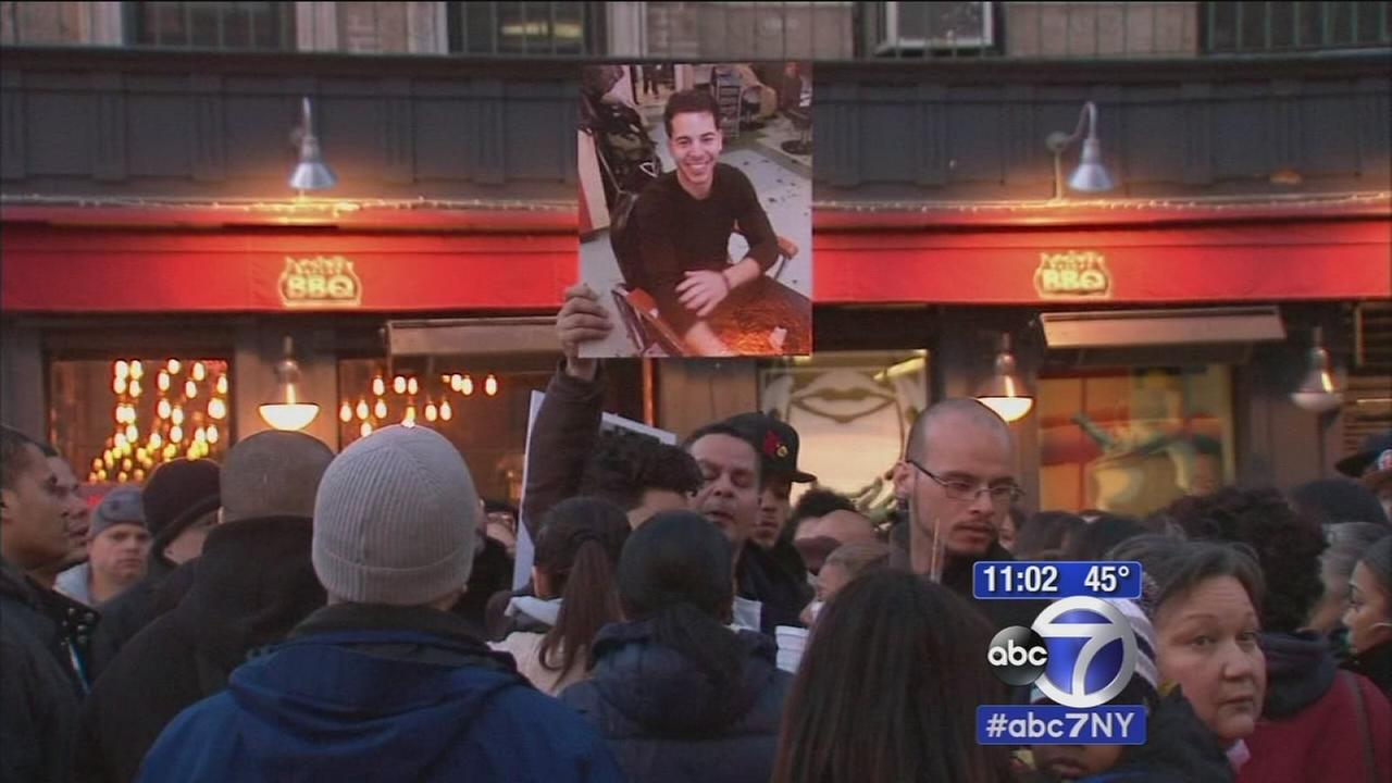 Vigil held to remember East Village explosion victims