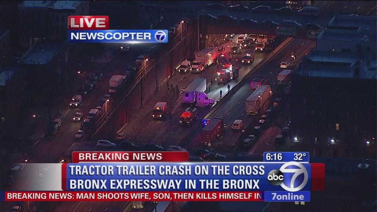 Westbound Cross Bronx closed after fuel spill
