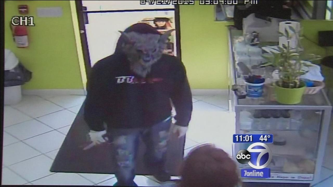 Man in wolf mask robs salon in Spring Valley