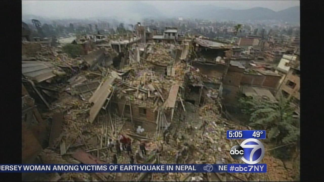 Death toll continues to climb in Nepal