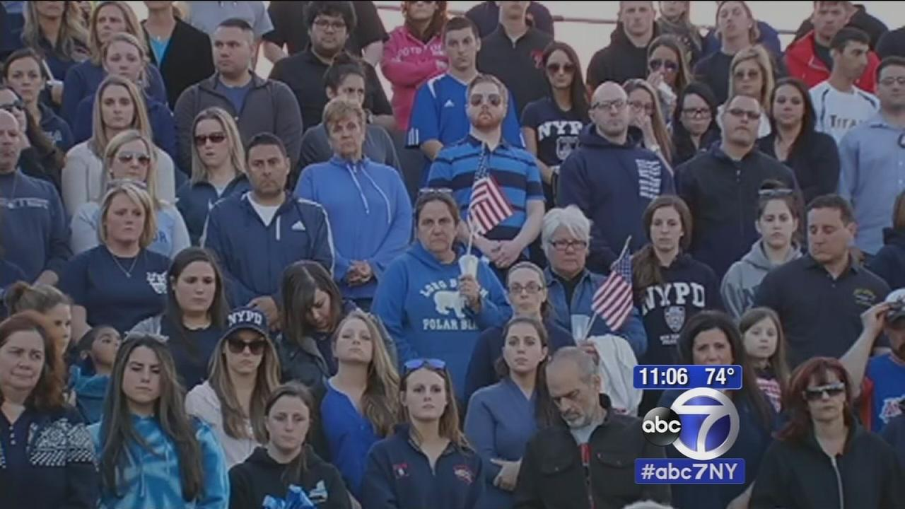 Officer killed remembered by hometown in North Massapequa