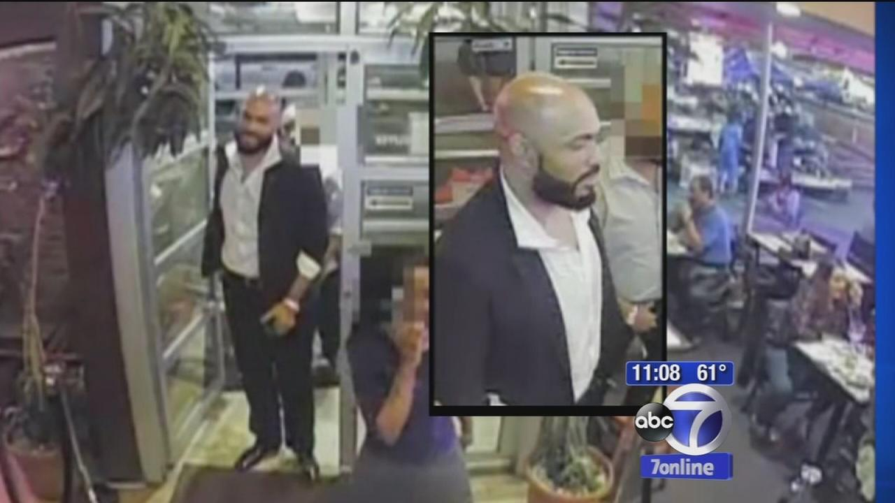 New video of suspect wanted in attack on 2 men at Chelsea restaurant