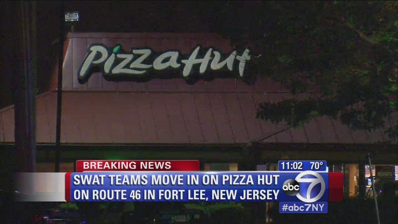 SWAT teams move in on Pizza Hut in Fort Lee