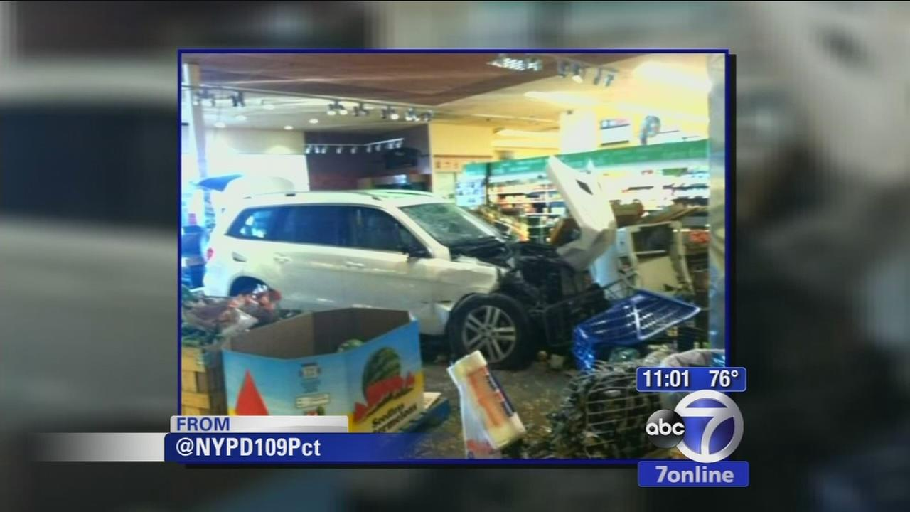SUV crashes into supermarket in Queens injuring 5 people