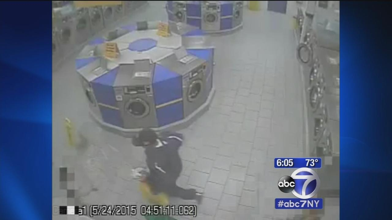 Search for suspect in Bronx laundromat robbery that punched child in face
