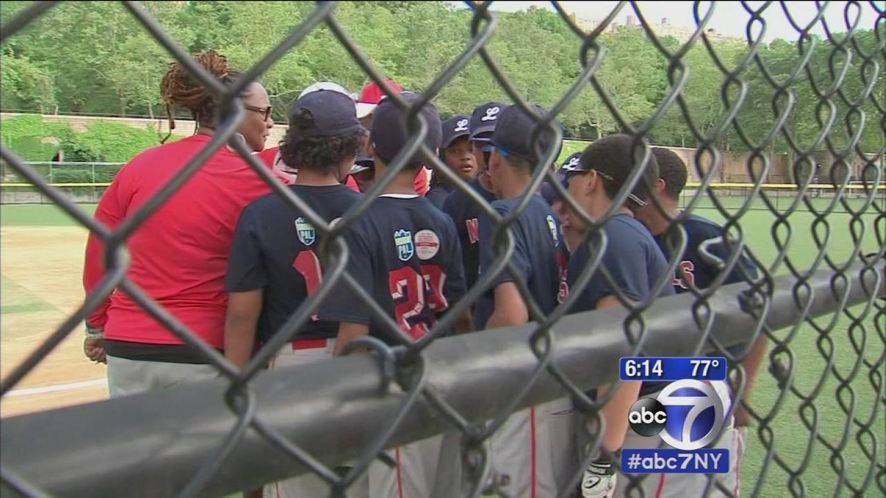 Generosity of 2 brothers brings entire baseball team from Detroit to NYC