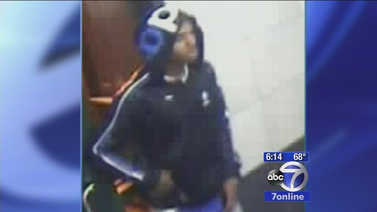 Woman fights off rape attempt in lobby of Manhattan building