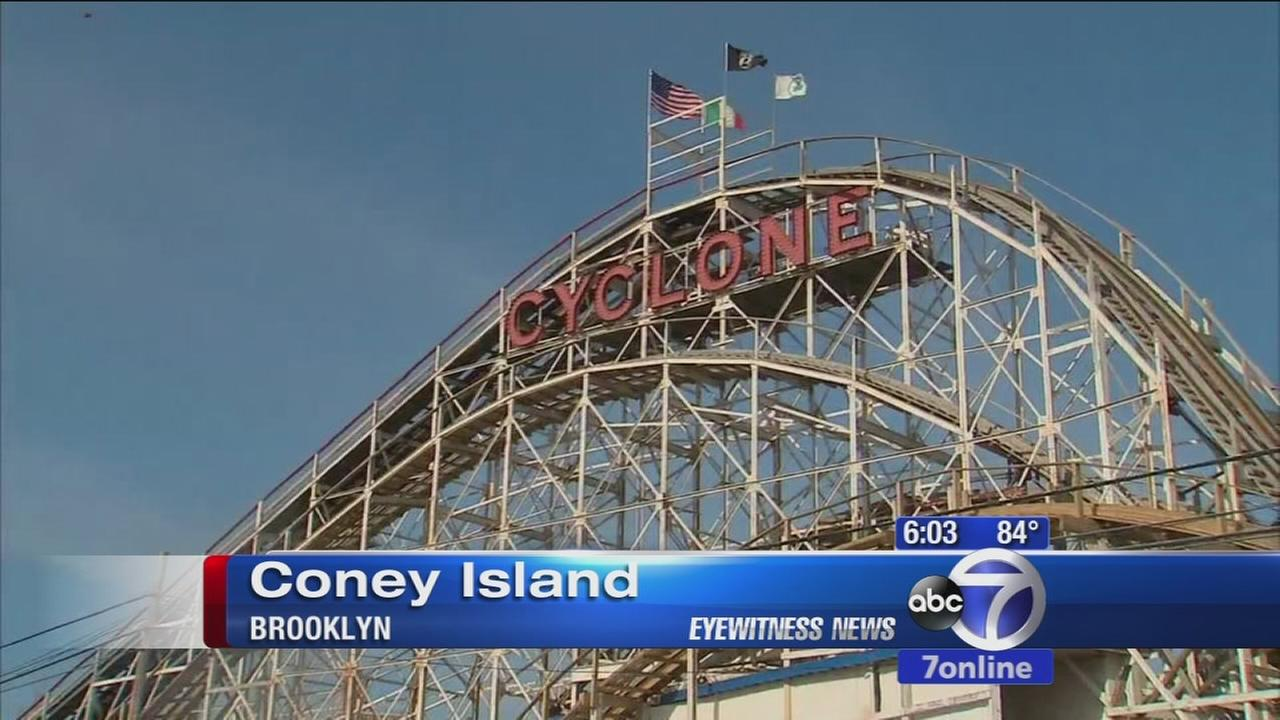 Coney Islands Cyclone roller coaster breaks down, stranding riders