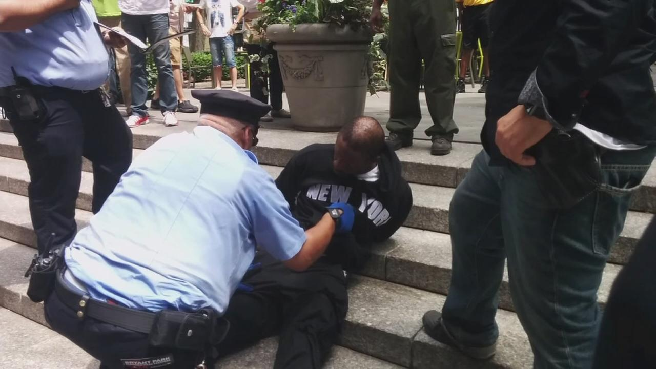 Raw video of suspect in Bryant Park slashing