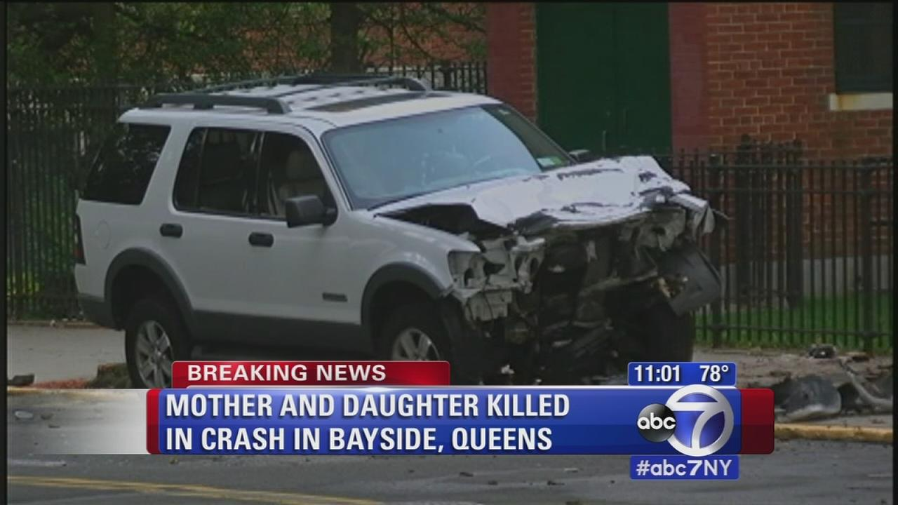 Mother and daughter killed, 4 others injured in Queens crash