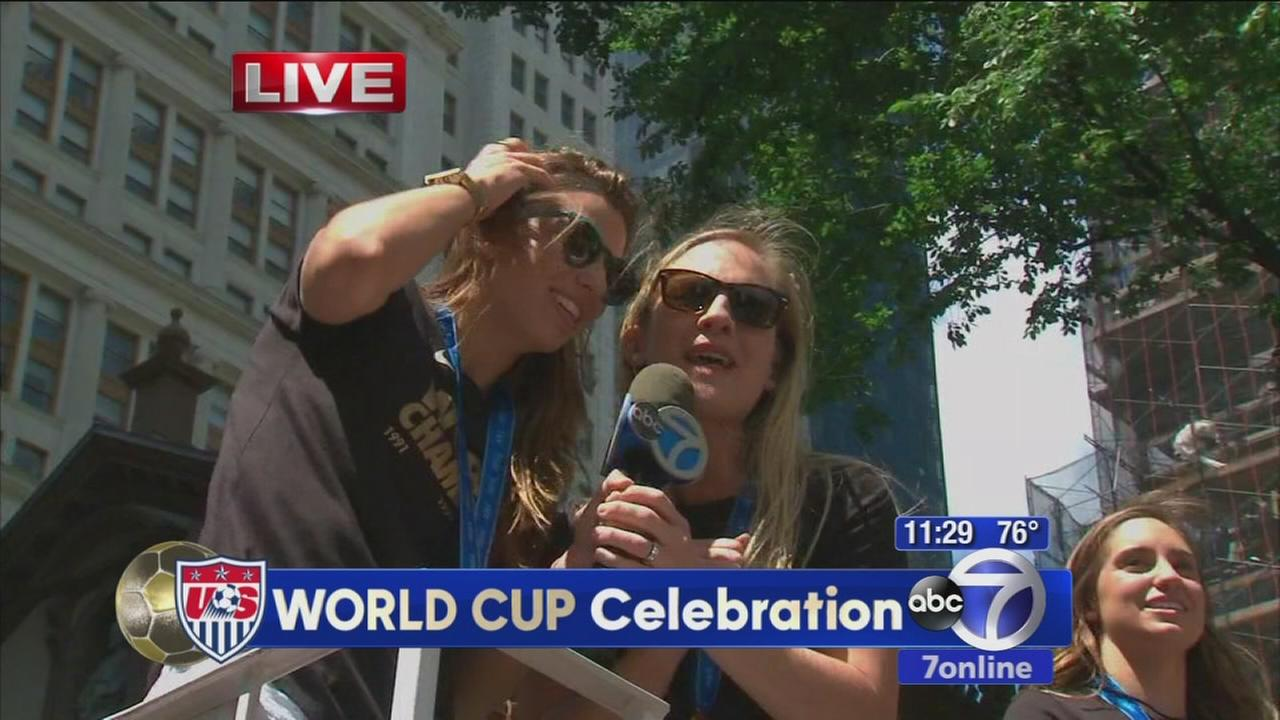 US Womens Soccer Team thanks fans for coming out
