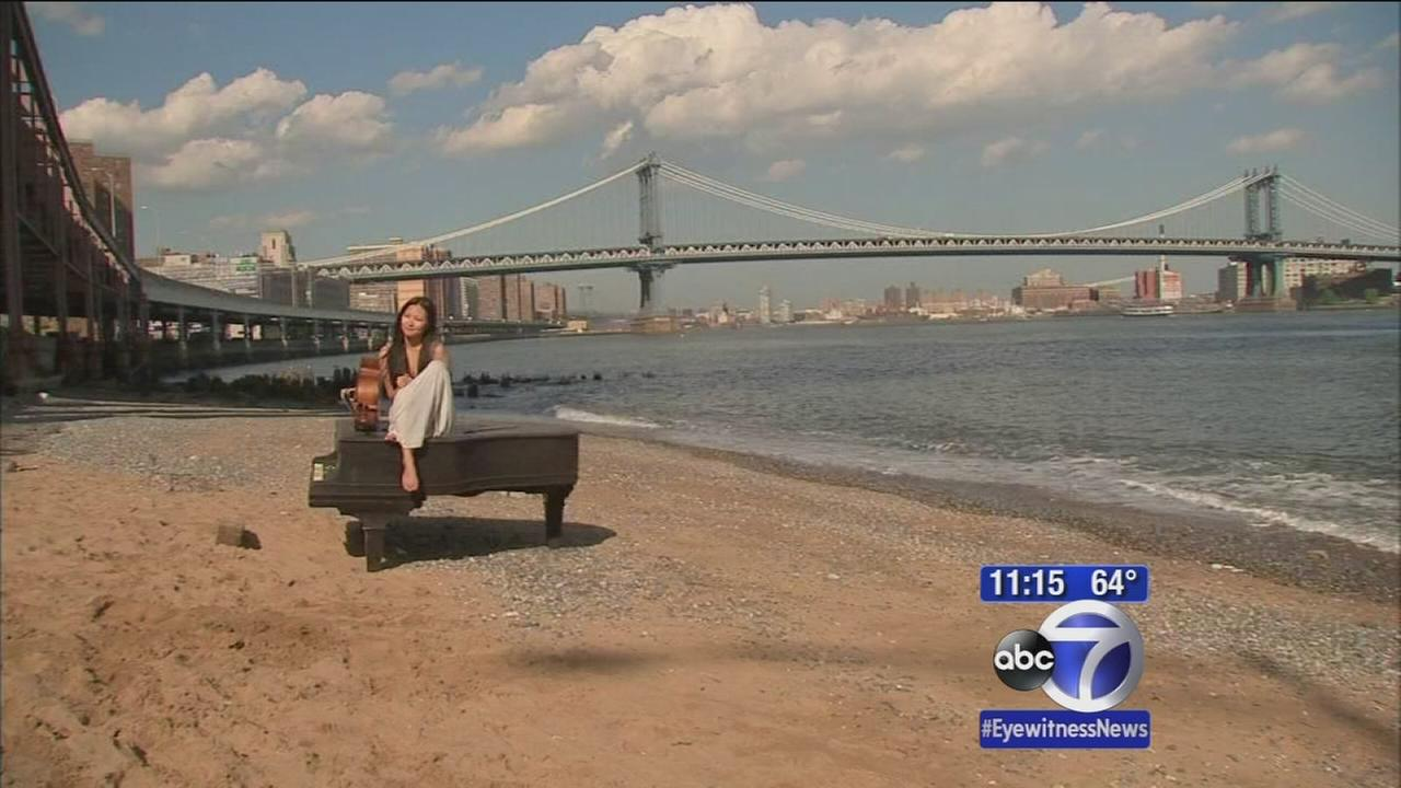 What is a piano doing under the Brooklyn Bridge?