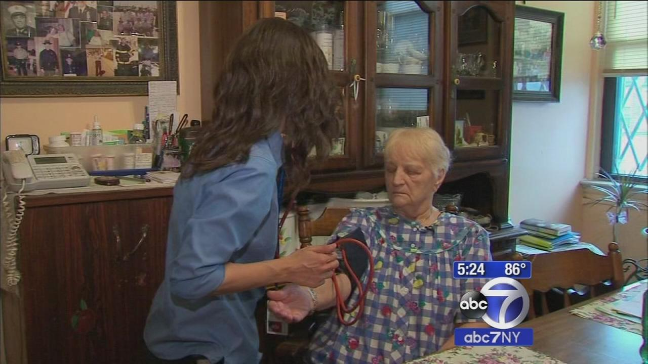 Nurses visit elderly to ensure safety in extreme heat