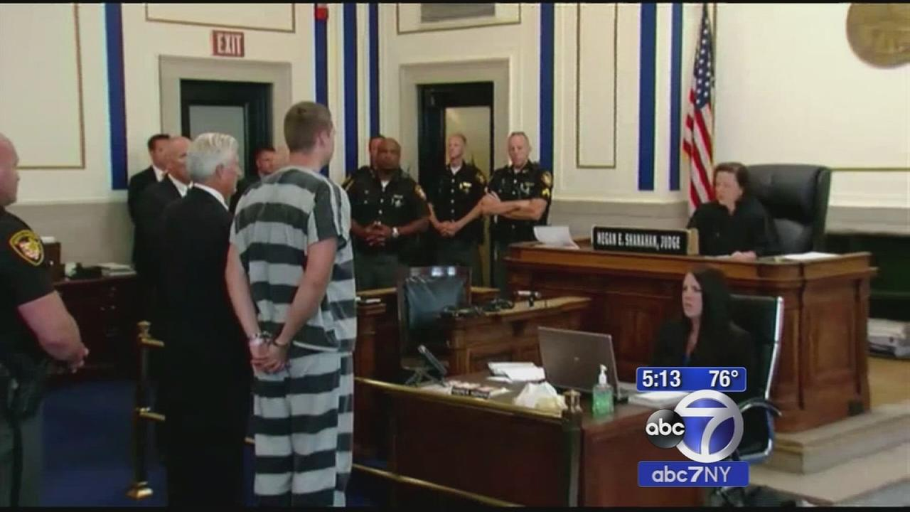 University of Cincinnati police officer pleads not guilty to murder charge; held on $1 million bond